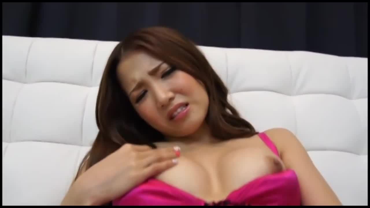 大人のオモチャをつかってオナニーを長時間楽しむエロギャル友田彩也香